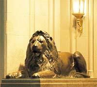 三越ライオン像